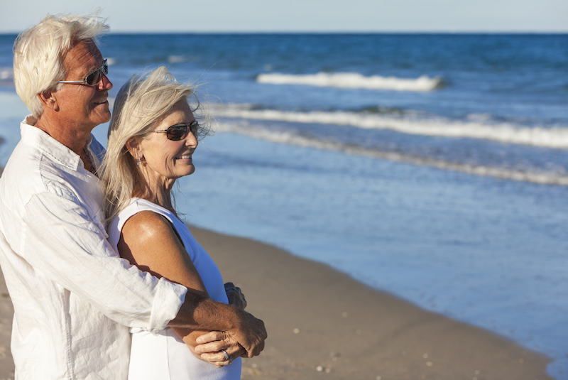 couple-enjoying-retirement-in-topsail